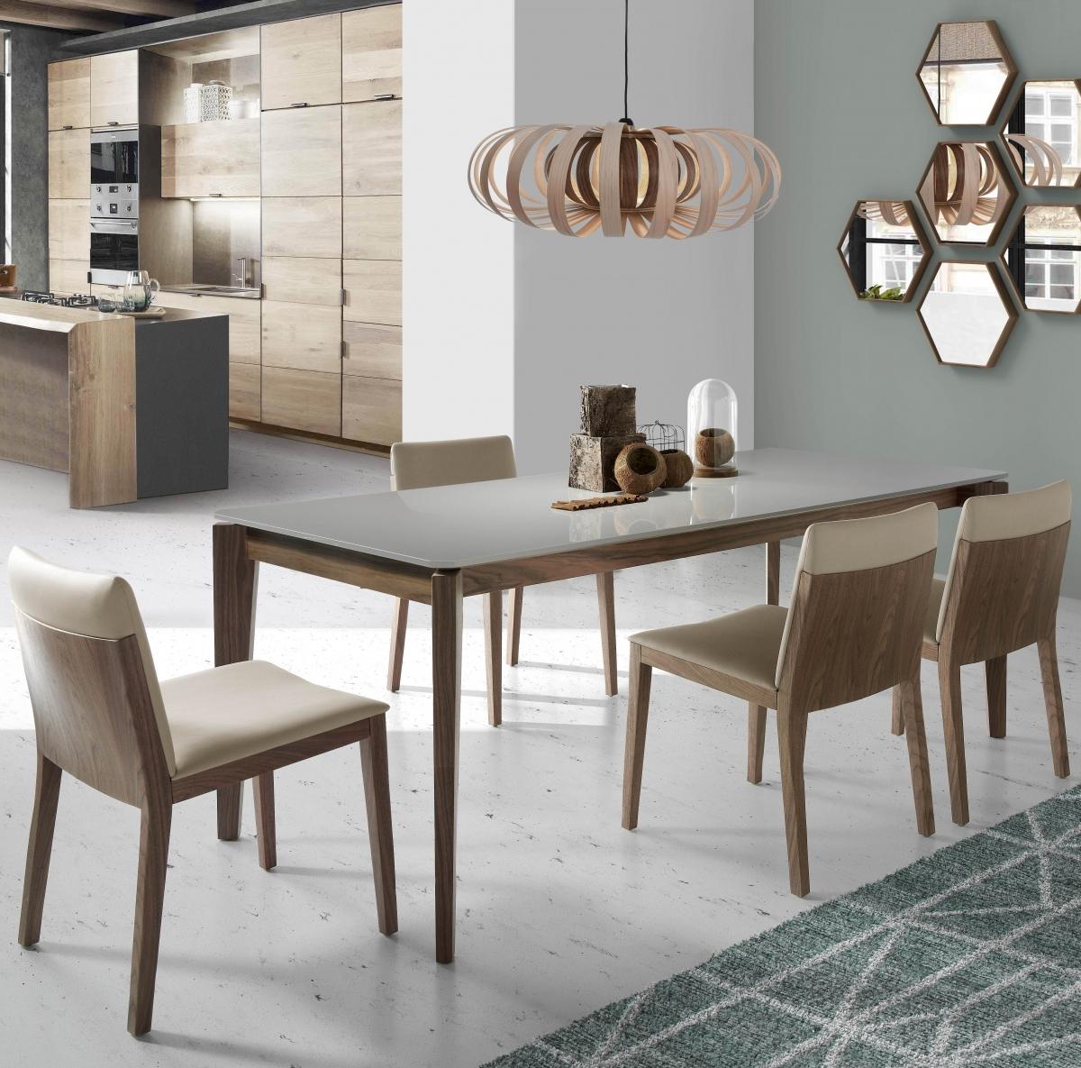 Дизайнерское обустройство гостиной совмещённой с кухней