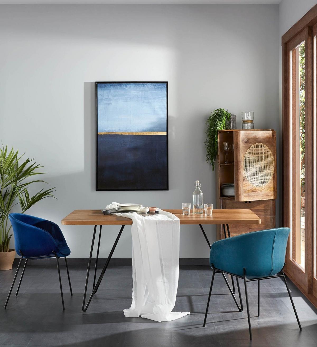 Созерцательный дизайн компактной обеденной зоны в морском стиле
