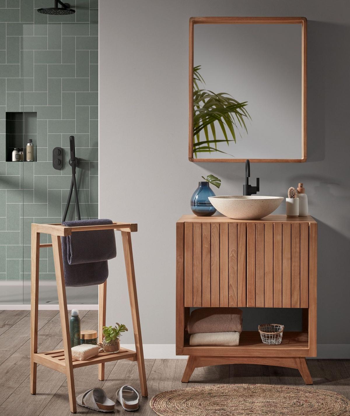 Ванная комната и тиковое дерево как идеальный дуэт