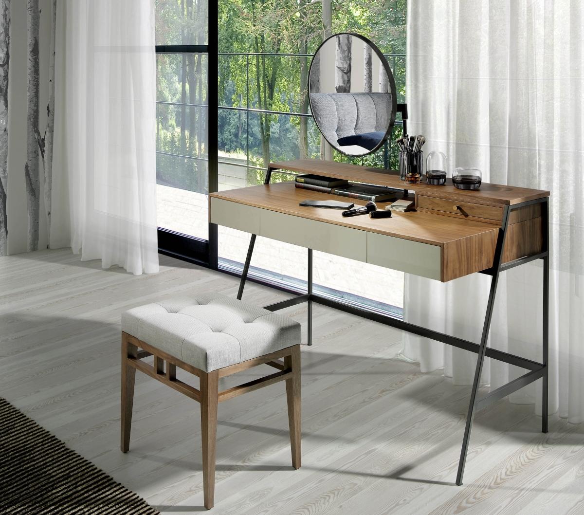 Особенности интерьера комнаты с дизайнерским туалетным столиком