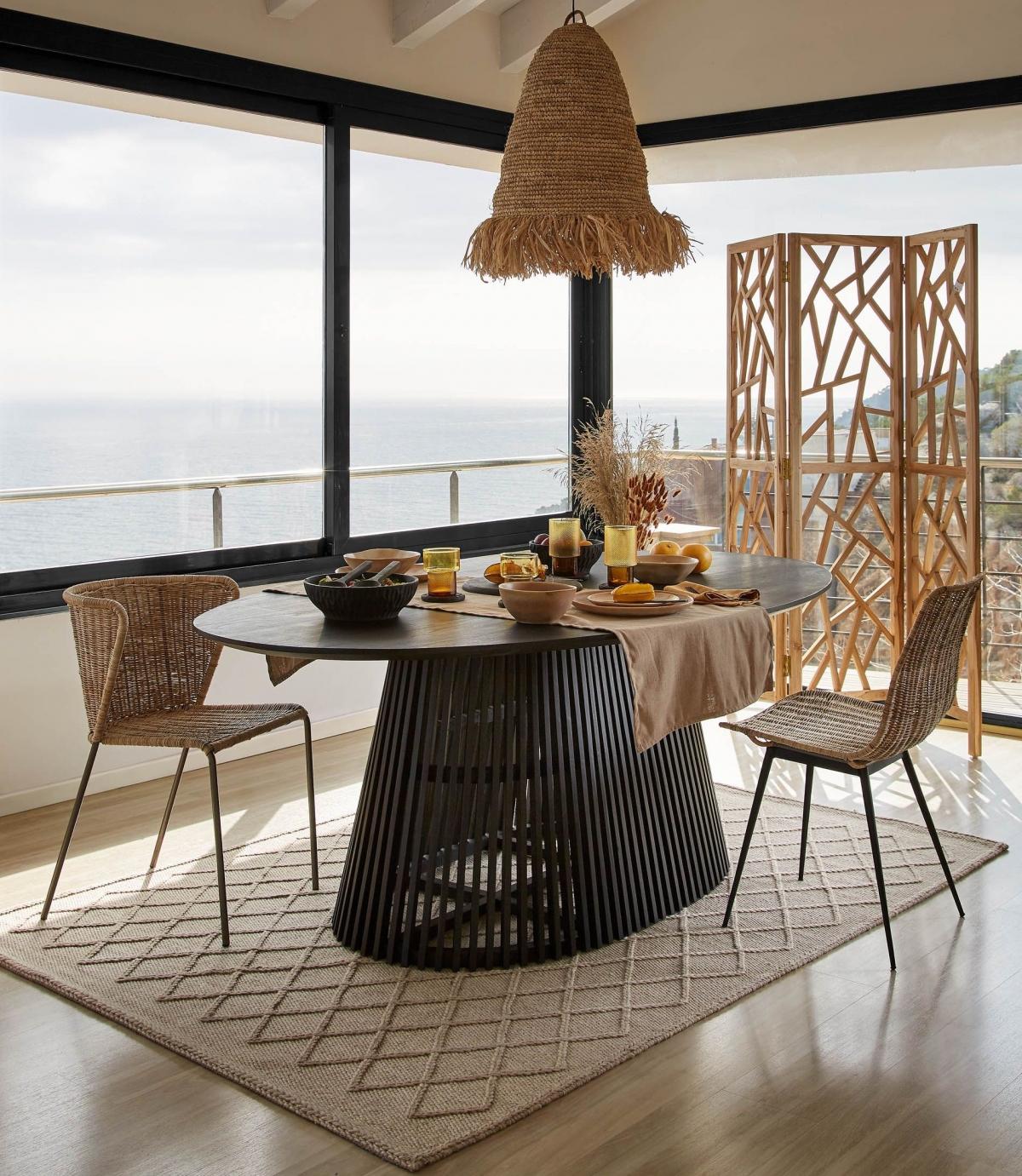 Уютная веранда с видом на море