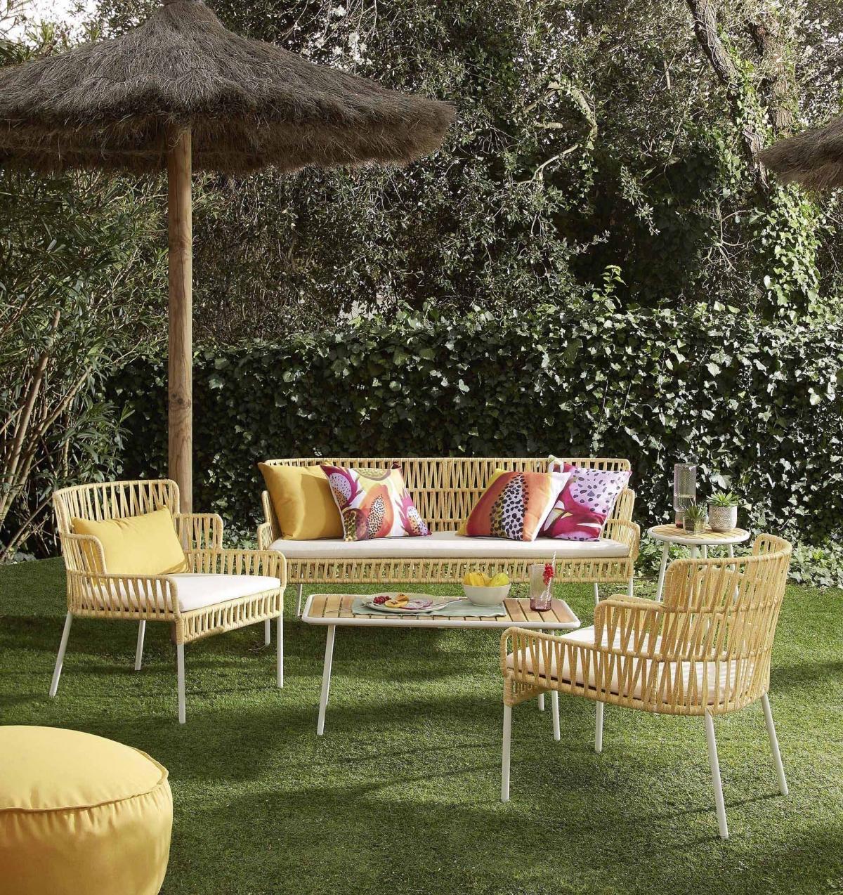 Оформление садового участка интересной мебелью