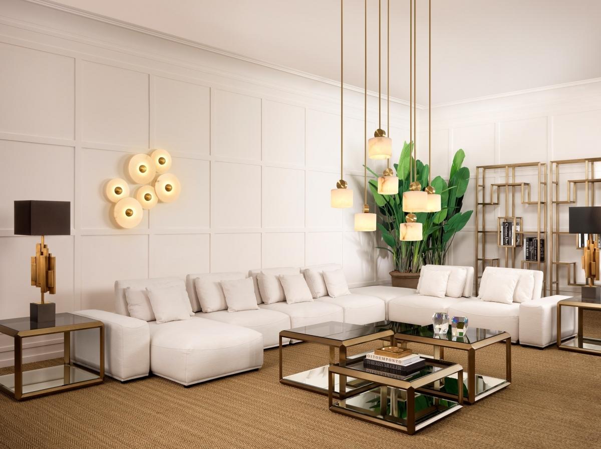 Эклектичный стиль для оформления просторной гостиной в доме