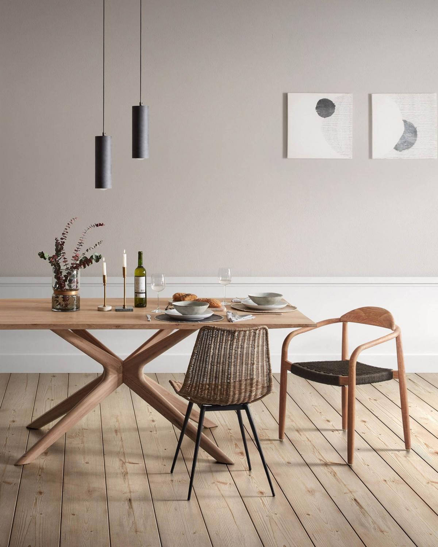 Уютный и романтичный дизайн обеденной зоны в природных тонах