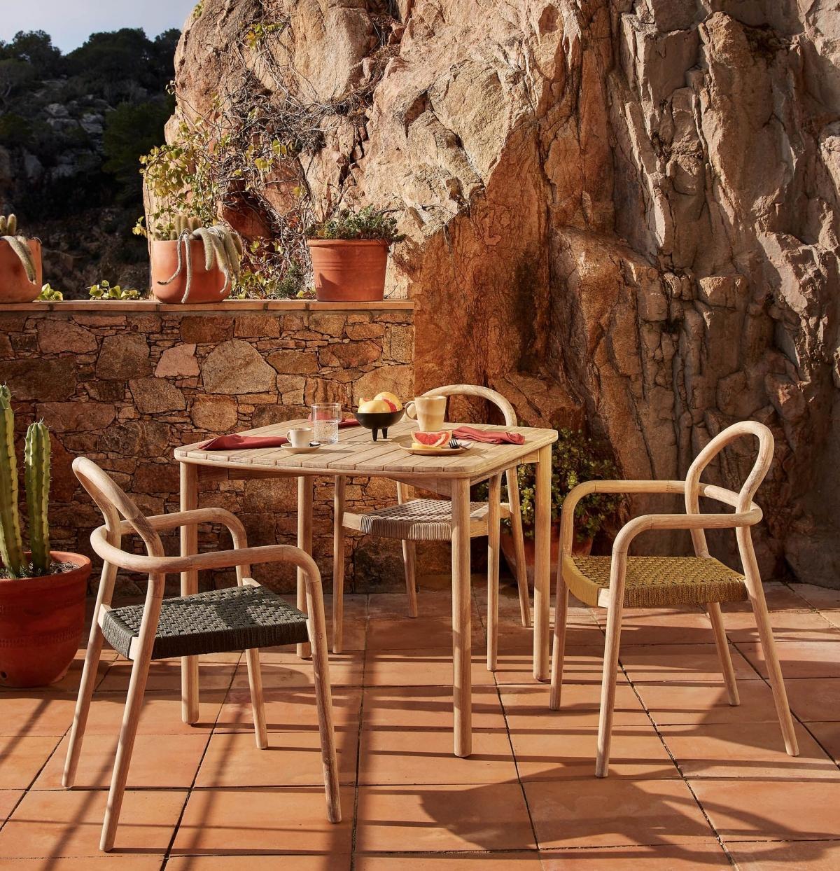 Роскошь простоты и гармония природных тонов в интерьере с мебелью из эвкалипта