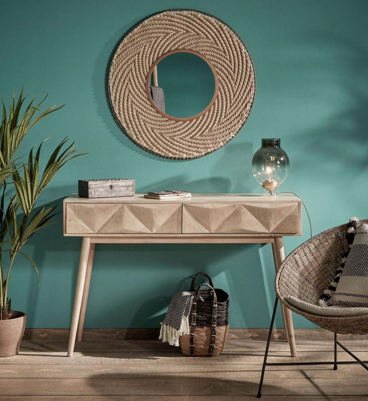 Прихожая с консольным столиком: дизайн в кантри-стиле