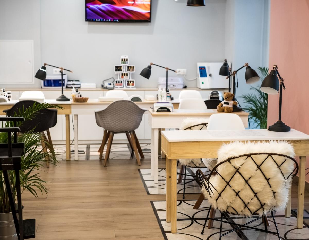 Дизайн интерьера студии красоты в скандинавском стиле