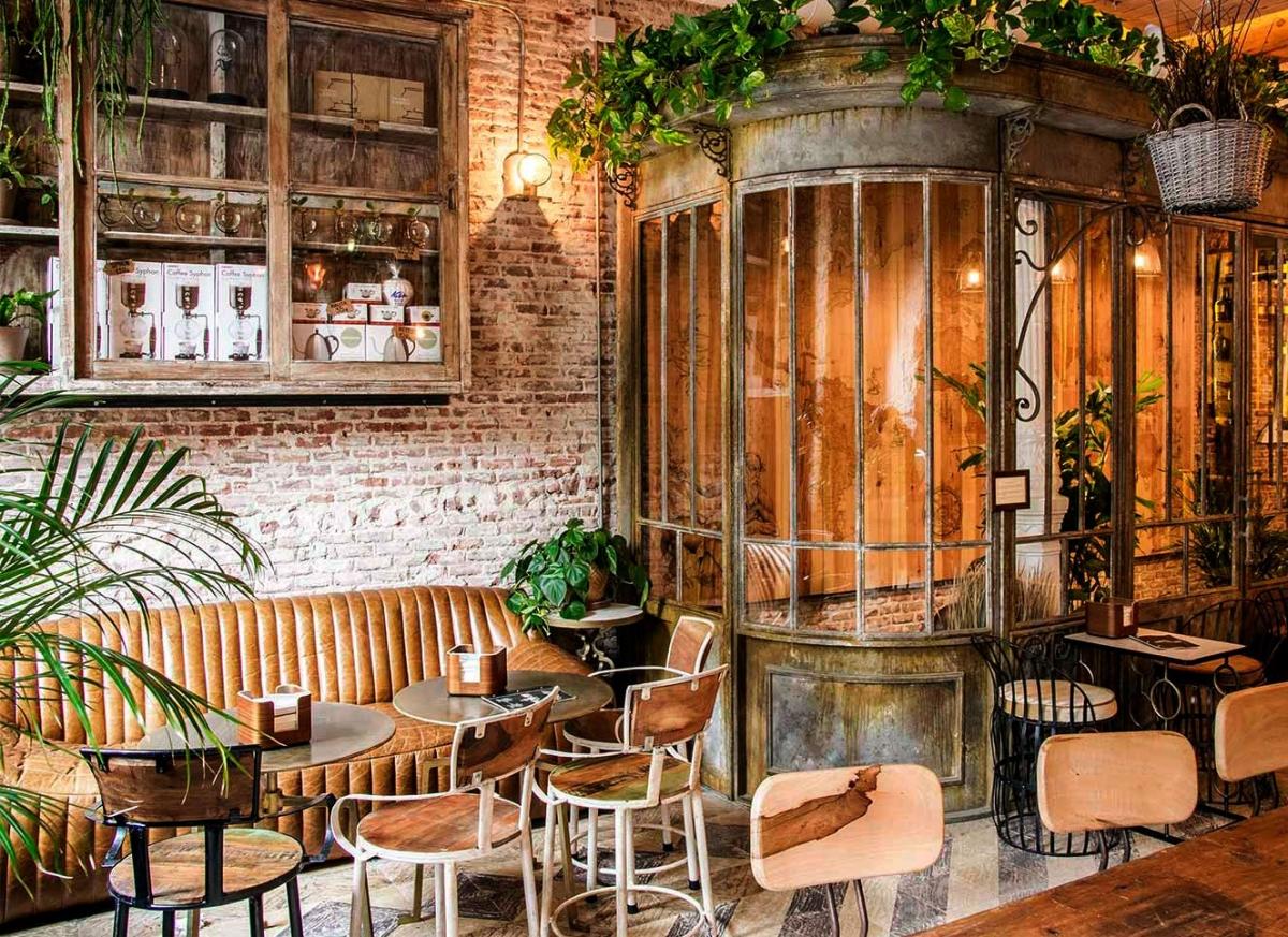 Винтажный интерьер для атмосферного и уютного кафе