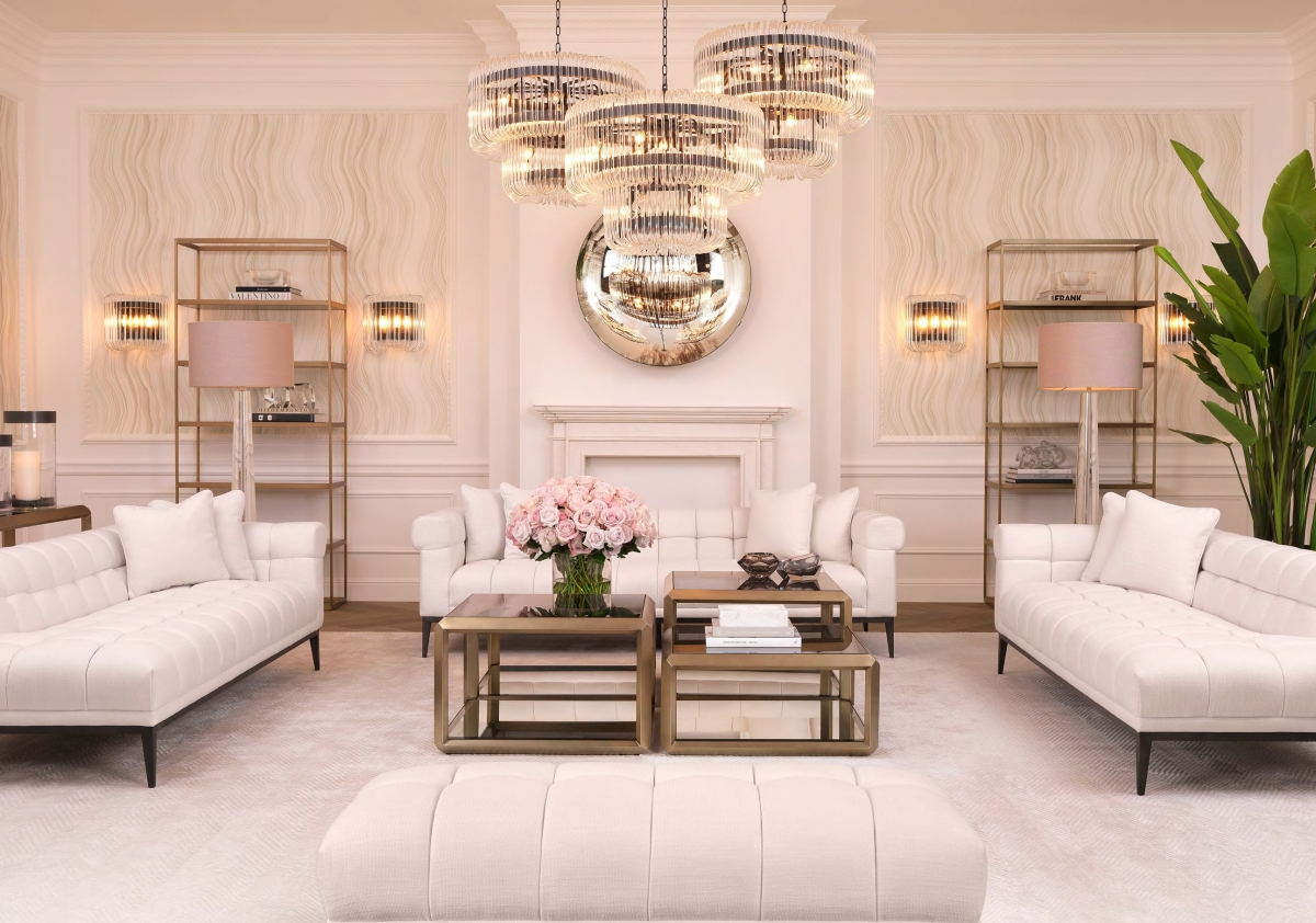 Романтичный и благородный интерьер просторной гостиной в ретро стиле