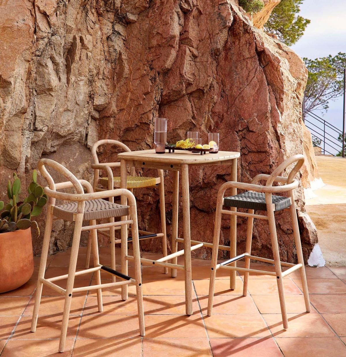Барная мебель для кафе и террасы