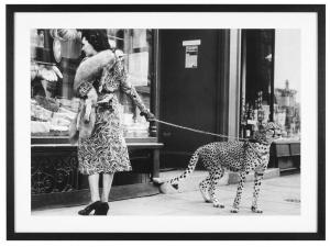 Постер Elegant Woman with Cheetah 115X85 CM